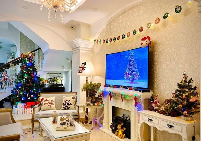 Giáng sinh lung linh trong biệt thự triệu đô của người mẫu Thúy Hạnh - Ảnh 8.