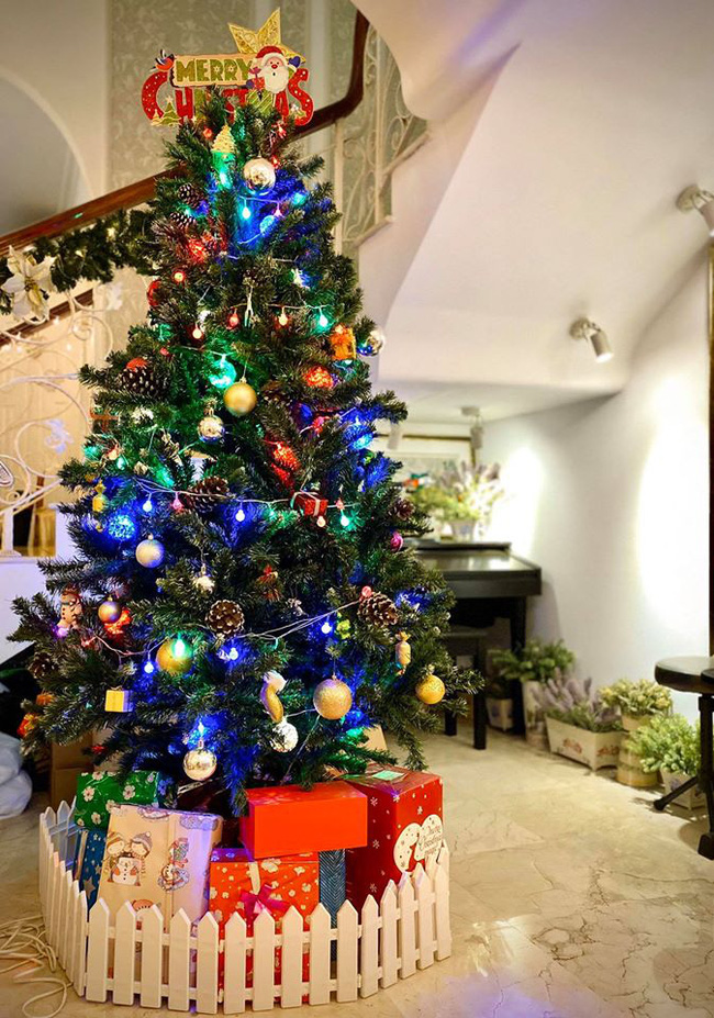 Giáng sinh lung linh trong biệt thự triệu đô của người mẫu Thúy Hạnh - Ảnh 6.