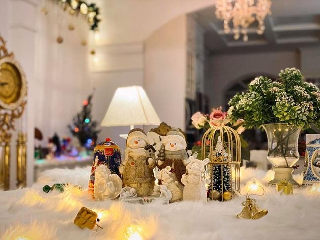 Giáng sinh lung linh trong biệt thự triệu đô của người mẫu Thúy Hạnh - Ảnh 5.