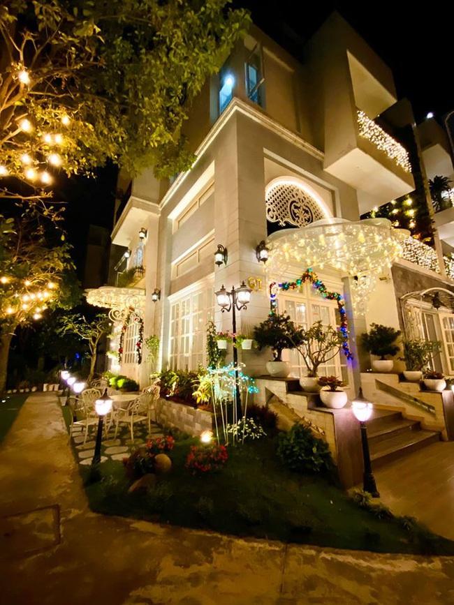 Giáng sinh lung linh trong biệt thự triệu đô của người mẫu Thúy Hạnh - Ảnh 3.