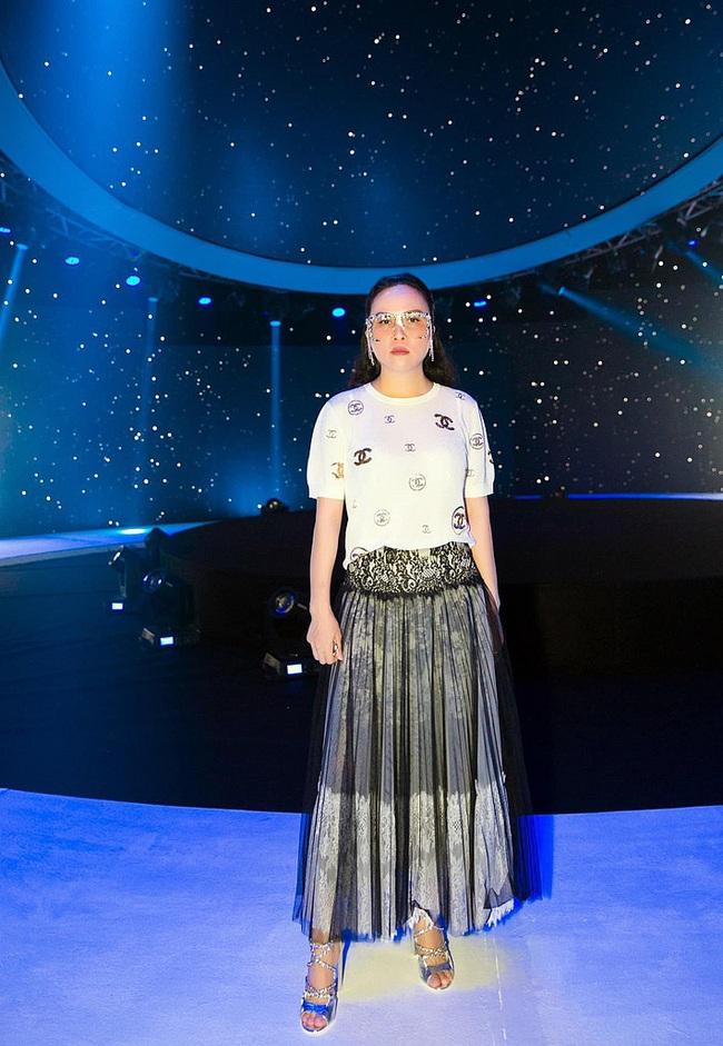 3 chiếc kính 4 số phận: Nam Em - Thu Minh bị tố đạo nhái Lisa (Black Pink), Phượng Chanel lại gây hoang mang - Ảnh 7.