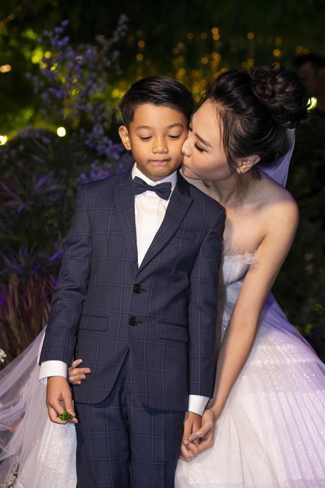 Sau thời gian sống chung, Đàm Thu Trang nhận được hành động bất ngờ từ con trai riêng của Cường Đô la - Ảnh 3.
