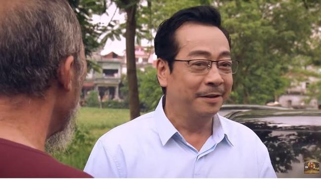 """""""Sinh tử"""" tập 20: Hay tin Bạt rớt chức, Vũ (Việt Anh) liền """"xun xoe"""" tới gửi quà cho sếp mới  - Ảnh 5."""