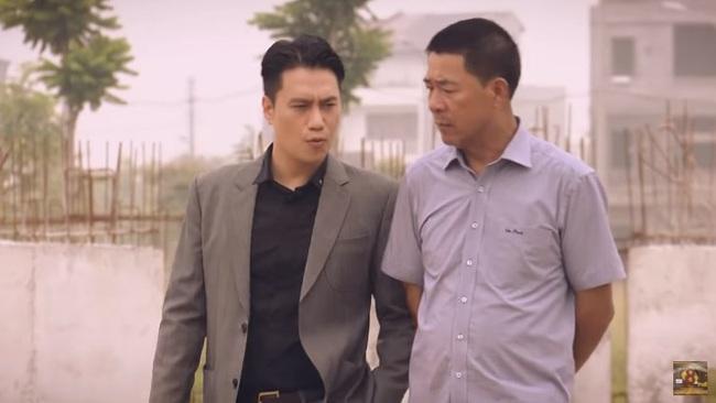 """""""Sinh tử"""" tập 20: Hay tin Bạt rớt chức, Vũ (Việt Anh) liền """"xun xoe"""" tới gửi quà cho sếp mới  - Ảnh 6."""
