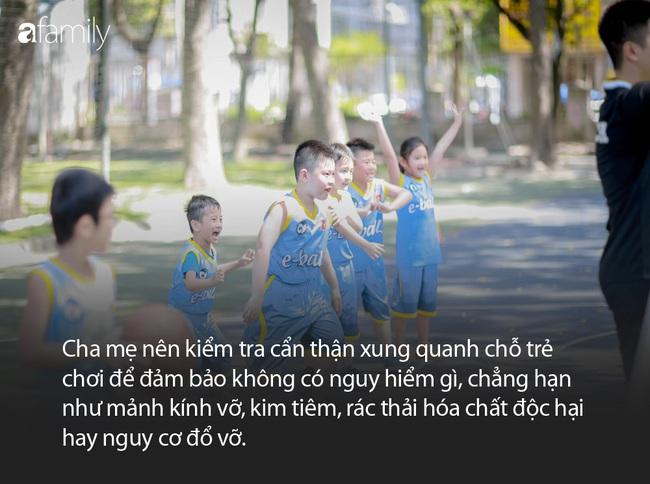 Từ vụ việc bé trai bị bóng bay trúng ngực gây tử vong, đây là những điều cha mẹ cần nhớ khi cho con chơi thể thao - Ảnh 4.