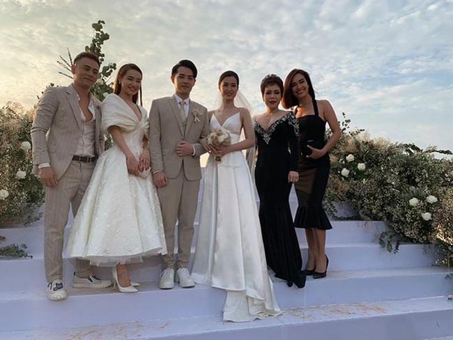 Nghiêm trọng hơn cả việc mặc sai dresscode tại đám cưới: Khách mới lên đồ lồng lộn lấn át cả cô dâu - Ảnh 5.