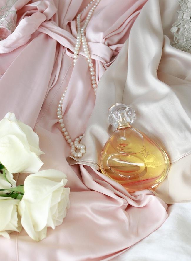 Nàng hot blogger bày 5 lọ nước hoa chuẩn xịn giúp các chị em ghi điểm hoàn hảo dịp Giáng Sinh - Ảnh 3.