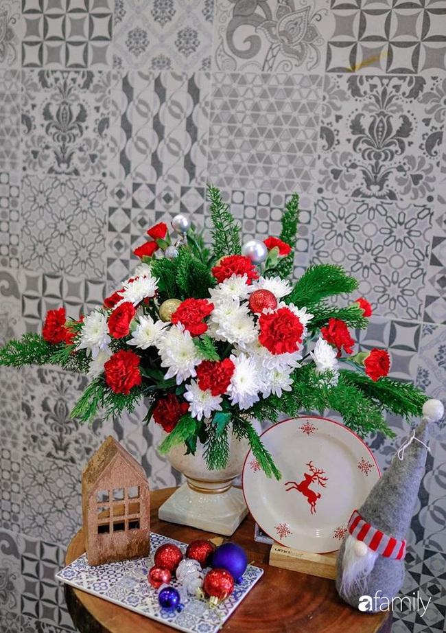 Ngắm những bình hoa tự cắm giúp tổ ấm thêm đẹp an lành đón Noel của những người phụ nữ Việt khéo tay - Ảnh 10.