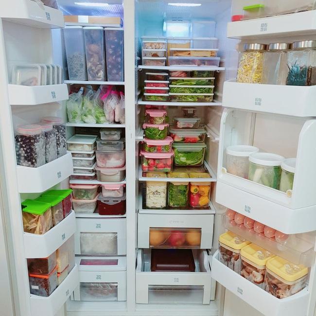 Chiếc tủ lạnh này có phải là hình ảnh trong mơ của các chị em không?