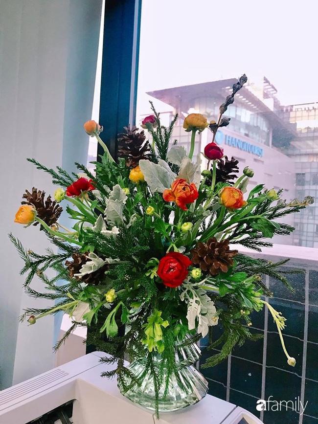 Ngắm những bình hoa tự cắm giúp tổ ấm thêm đẹp an lành đón Noel của những người phụ nữ Việt khéo tay - Ảnh 11.