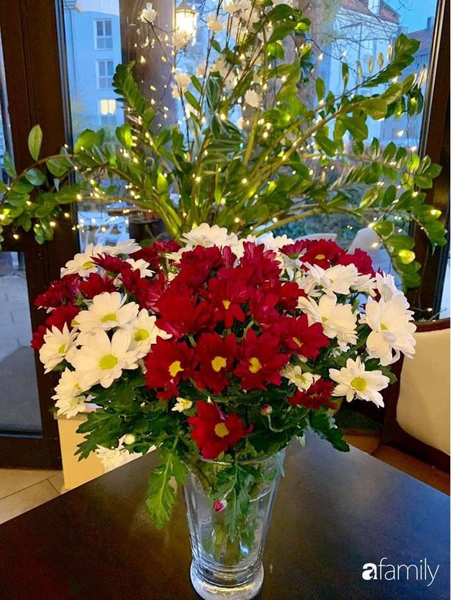 Ngắm những bình hoa tự cắm giúp tổ ấm thêm đẹp an lành đón Noel của những người phụ nữ Việt khéo tay - Ảnh 2.