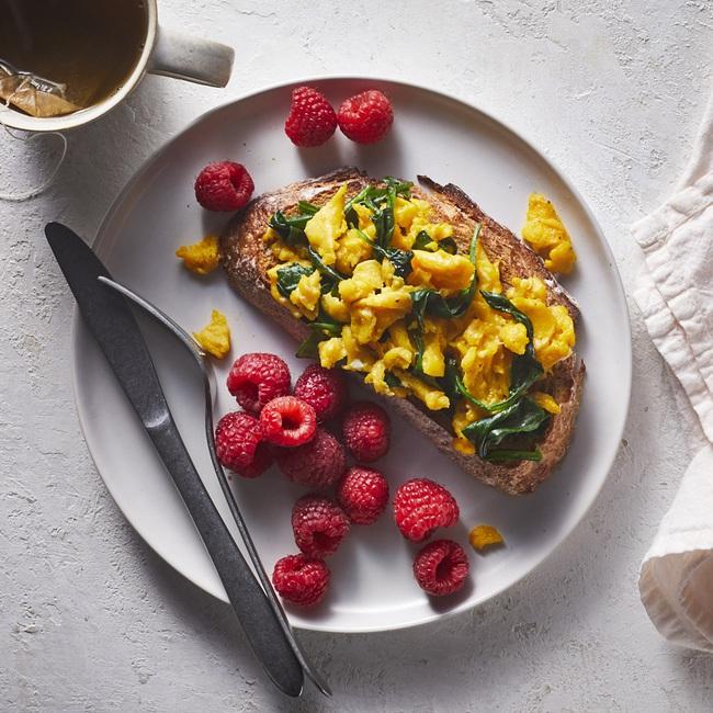 Thực đơn bữa sáng 7 ngày không khiến bạn tăng cân, đã vậy còn đốt cháy mỡ thừa để body chuẩn nằm trong tầm tay - Ảnh 2.