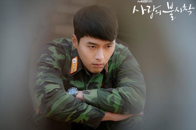 Son Ye Jin chê Hyun Bin không có địa vị mà chẳng biết thân phận rich kid Bắc Hàn của anh thu bé lại chỉ bằng chiếc đồng hồ 100 triệu - Ảnh 3.