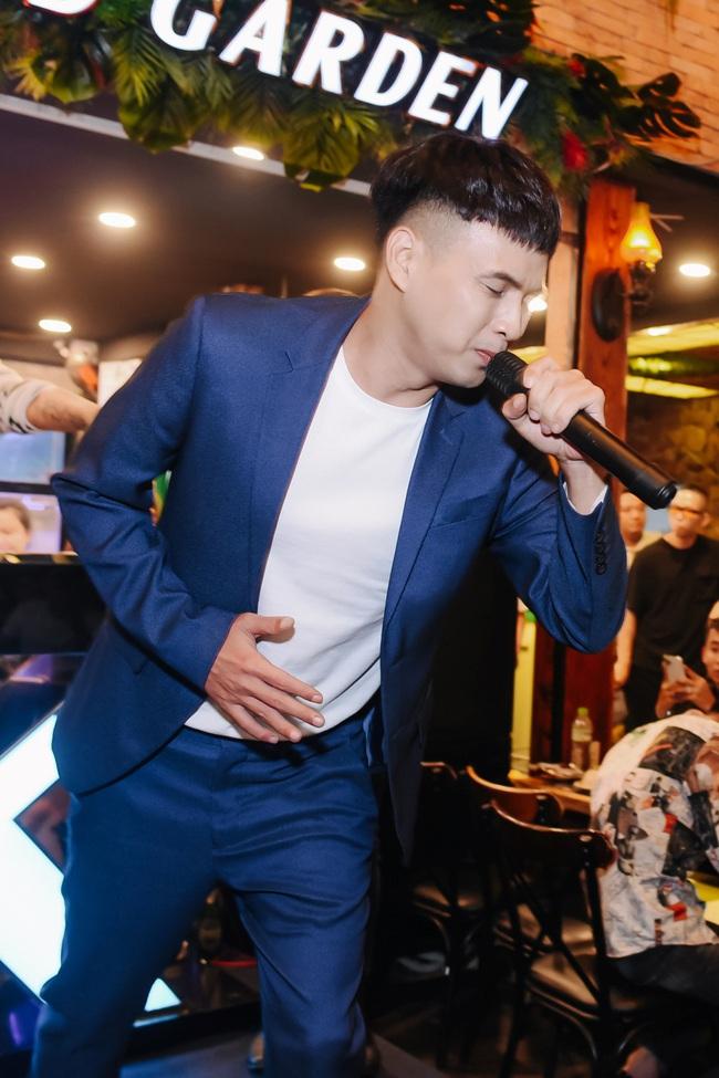 """Hồ Quang Hiếu lần đầu xuất hiện, """"béo tốt"""" hẳn ra sau 15 ngày vướng scandal hiếp dâm và nói câu không ai ngờ  - Ảnh 7."""
