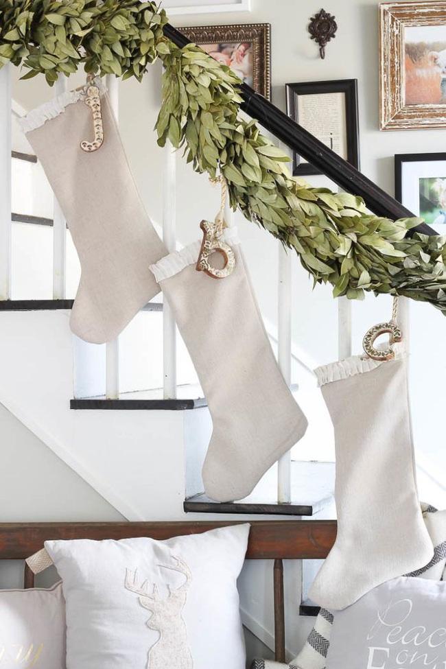 Mang vẻ đẹp hoàn hảo cho cầu thang dịp Giáng sinh nhờ lựa chọn đồ trang trí đúng điệu - Ảnh 10.