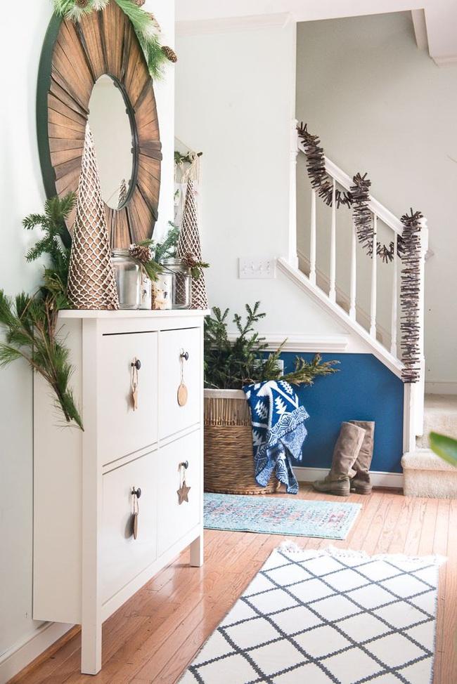 Mang vẻ đẹp hoàn hảo cho cầu thang dịp Giáng sinh nhờ lựa chọn đồ trang trí đúng điệu - Ảnh 12.