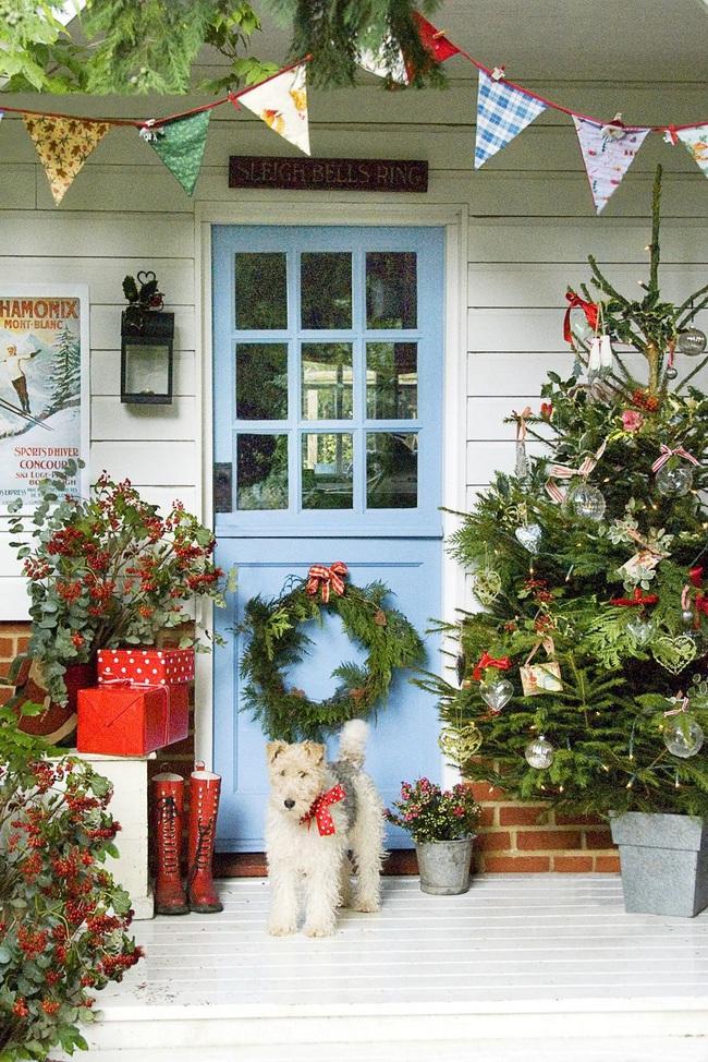 Hiên nhà xinh đẹp đón khách nhờ những ý tưởng decor độc đáo mùa Giáng sinh - Ảnh 7.