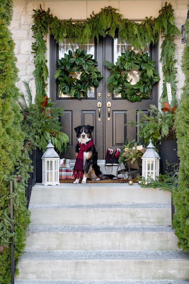 Hiên nhà xinh đẹp đón khách nhờ những ý tưởng decor độc đáo mùa Giáng sinh - Ảnh 10.