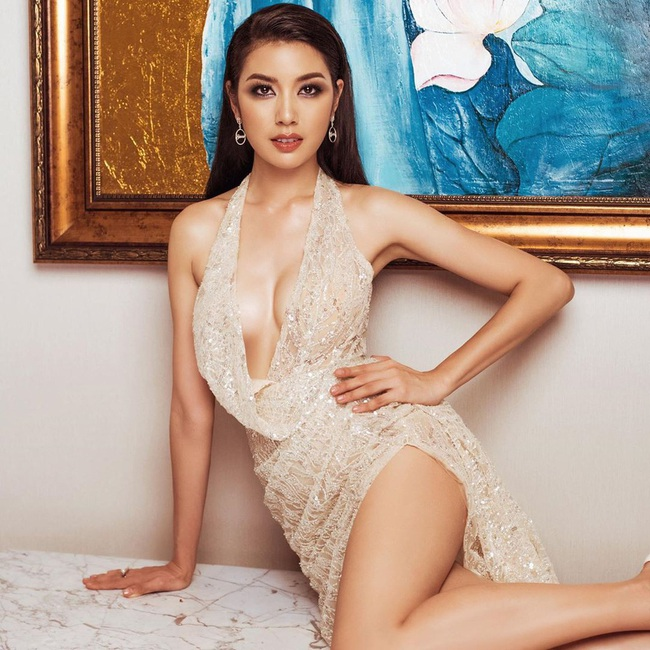 Sự cố đêm bán kết Hoa hậu Hoàn vũ Việt Nam 2019: Thúy Vân lộ vòng 1 khi diễn áo tắm trên sóng trực tiếp - Ảnh 3.