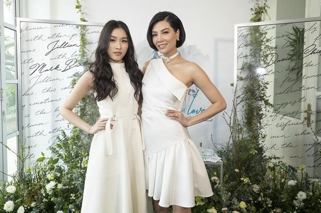 Cựu siêu mẫu Vũ Cẩm Nhung khoe eo thon, nhan sắc trẻ trung ở tuổi 43 - Ảnh 7.