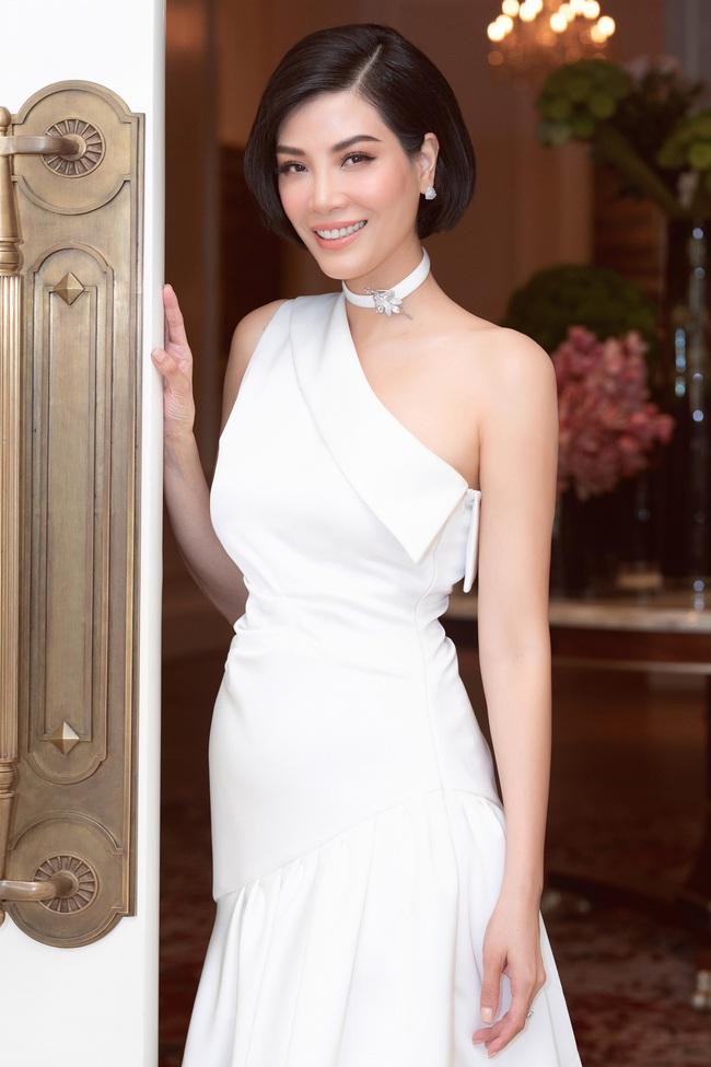 Cựu siêu mẫu Vũ Cẩm Nhung khoe eo thon, nhan sắc trẻ trung ở tuổi 43 - Ảnh 5.