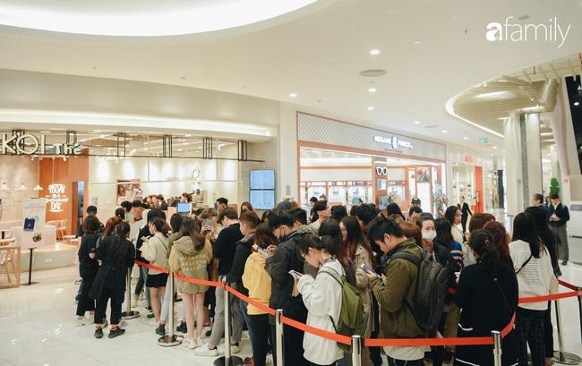 Trà sữa Koi Thé nổi danh Sài Gòn chính thức mở cửa hàng đầu tiên tại Aeon Mall Hà Nội: Khách xếp hàng đông nườm nượp từ trước 9 giờ sáng! - Ảnh 14.