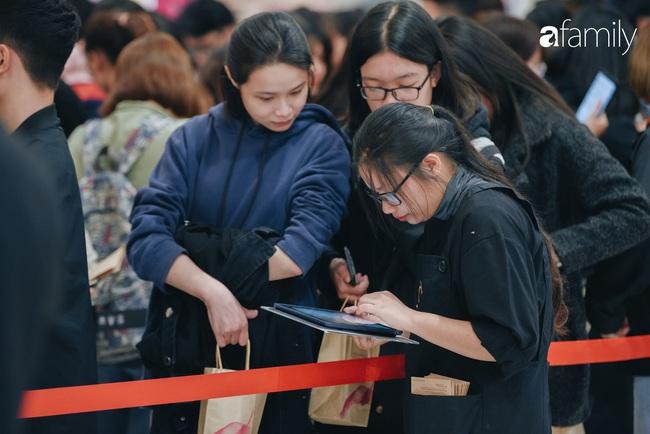 """Vừa ra mắt cửa hàng đầu tiên tại Aeon Mall Hà Đông, trà sữa trứ danh KOI Thé đã """"cháy hàng"""" - Ảnh 6."""