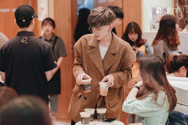 """Vừa ra mắt cửa hàng đầu tiên tại Aeon Mall Hà Đông, trà sữa trứ danh KOI Thé đã """"cháy hàng"""" - Ảnh 10."""
