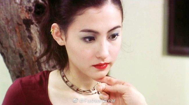 """Trương Bá Chi """"gây bão"""" khi makeup theo phong cách từ chục năm trước: Chẳng hề lỗi thời mà còn chứng minh nhan sắc lão hóa ngược - Ảnh 8."""