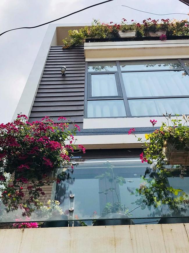 Sân thượng 50m2 với rau xanh và quả ngọt đẹp như tranh vẽ của gia đình 4 người ở TP Sơn La - Ảnh 5.