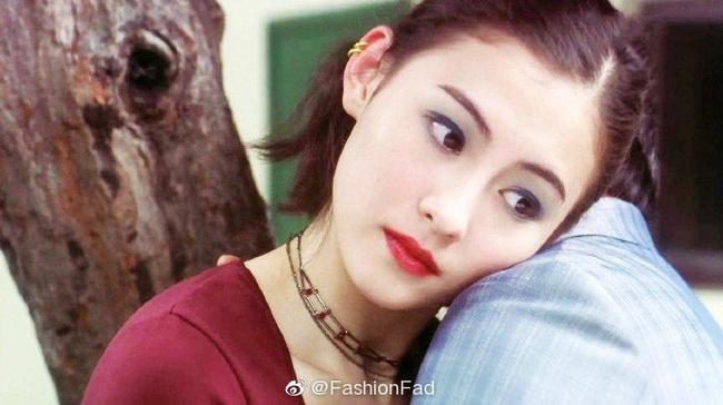 """Trương Bá Chi """"gây bão"""" khi makeup theo phong cách từ chục năm trước: Chẳng hề lỗi thời mà còn chứng minh nhan sắc lão hóa ngược - Ảnh 1."""