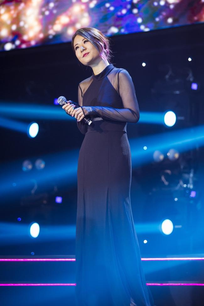 Diva Hồng Kông bị chê hát live tệ hơn Chi Pu, màn rap của Đen Vâu nhận hàng tá gạch đá  - Ảnh 4.