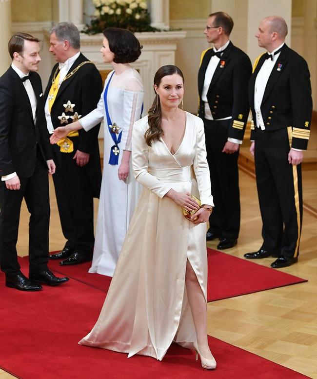 Nữ thủ tướng trẻ nhất Phần Lan gây sốt dư luận: Một bà mẹ bỉm sữa xinh đẹp không tỳ vết cùng góc khuất gia đình ít ai biết - Ảnh 4.