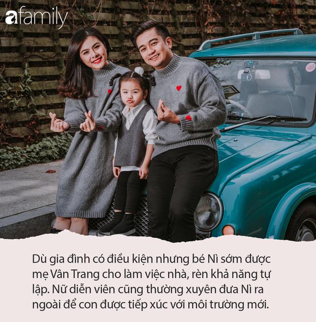 Đưa con gái 3 tuổi đi xem phim Elsa, Vân Trang sợ bé không hiểu nhưng Nì phản ứng khiến mẹ bất ngờ - Ảnh 6.
