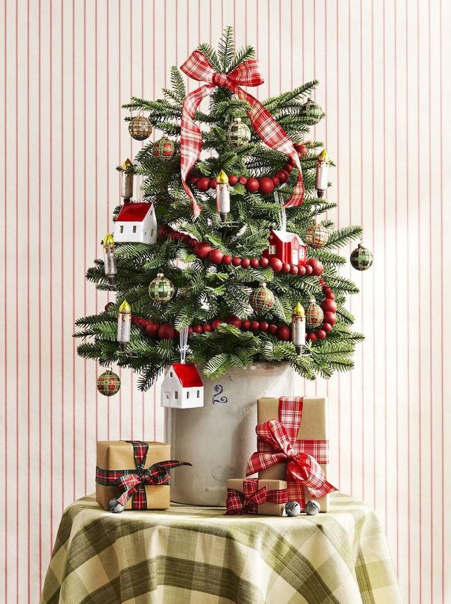 Những ý tưởng độc đáo làm đẹp nhà mùa Giáng sinh ít ai biết - Ảnh 5.