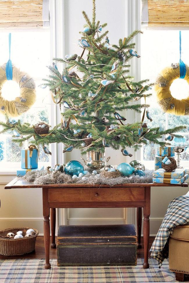 Những ý tưởng decor giá đỡ cây thông vừa nhanh chóng vừa tiết kiệm tạo nét độc đáo cho nhà bạn dịp Noel - Ảnh 6.