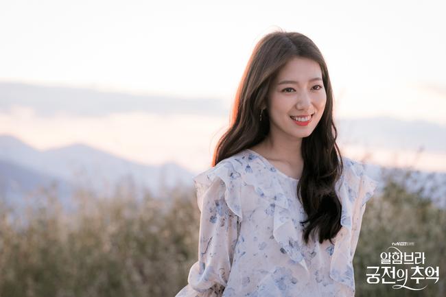 Loạt sao đình đám tái xuất màn ảnh Hàn 2018 nhưng vẫn là bom xịt: Có cả Song Hye Kyo, Hyun Bin, So Ji Sub - Ảnh 9.