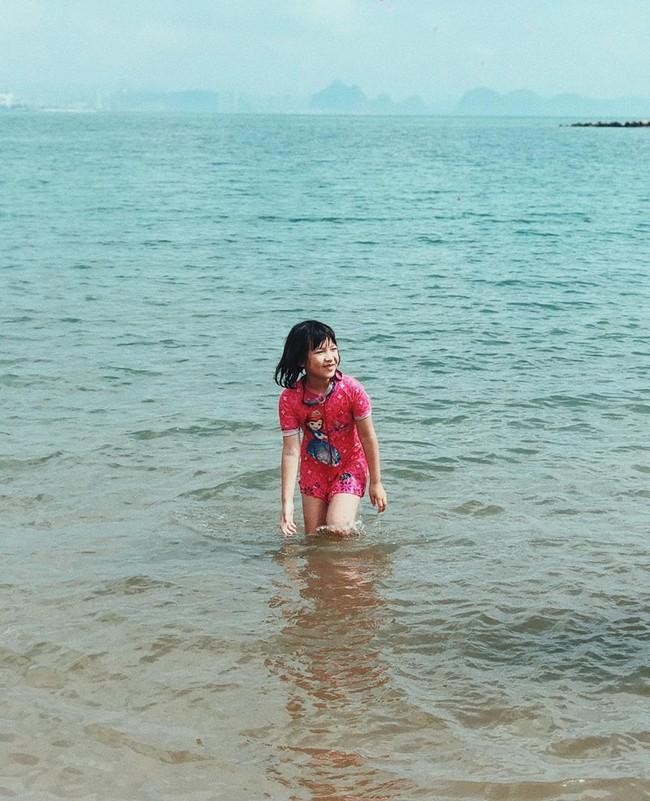 Mang bụng bầu khá lớn, hot girl đời đầu Mi Vân vẫn xinh đẹp nức lòng diện bikini khi đi tắm biển - Ảnh 5.