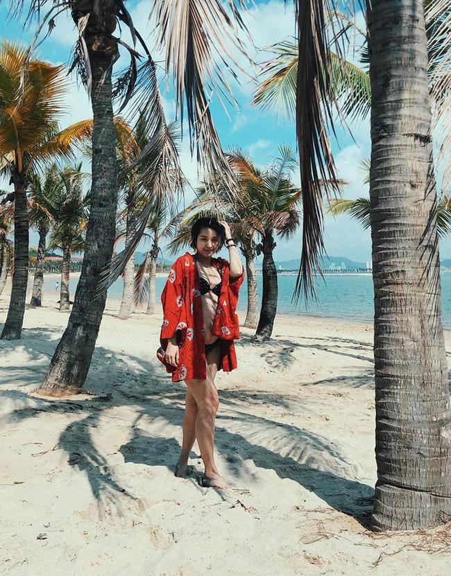 Mang bụng bầu khá lớn, hot girl đời đầu Mi Vân vẫn xinh đẹp nức lòng diện bikini khi đi tắm biển - Ảnh 9.