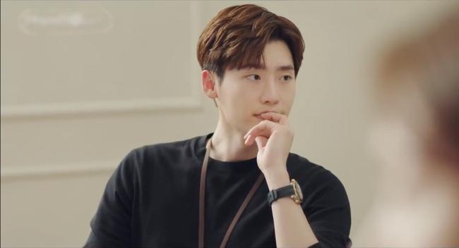 Lee Jong Suk gây choáng khi đem năng lực ngoại cảm từ I hear your voice sang Phụ lục tình yêu - Ảnh 1.