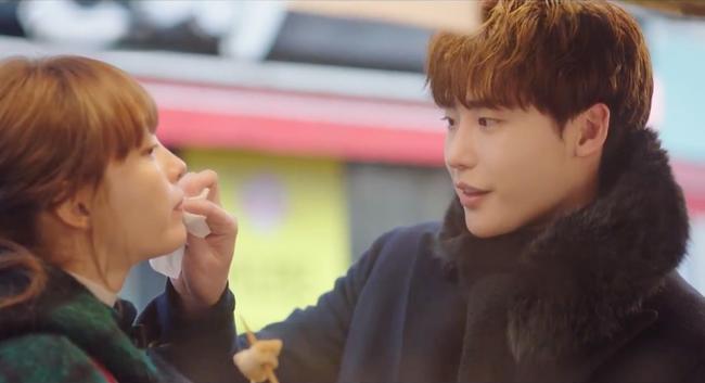 Phụ lục tình yêu: Mang danh chị em nhưng Lee Jong Suk lại tình tứ nắm tay chị gái Lee Na Young thế này - Ảnh 3.