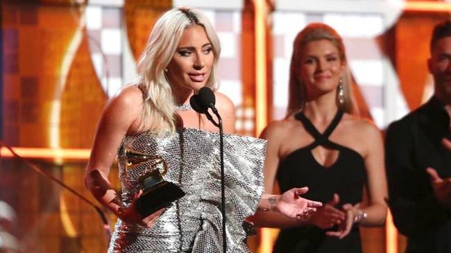 Mặc kệ thị phi bủa vây, Lady Gaga vẫn thắng lớn tại Grammy 2019 - Ảnh 4.