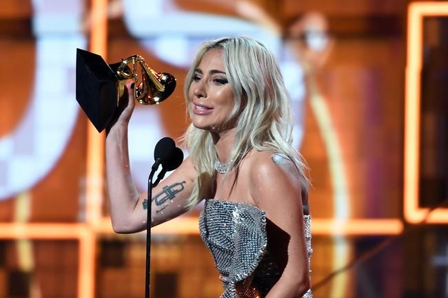 Mặc kệ thị phi bủa vây, Lady Gaga vẫn thắng lớn tại Grammy 2019 - Ảnh 1.