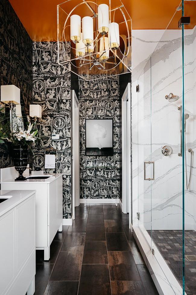 Những mẫu giấy dán tường nhà tắm chẳng thể chê vào đâu được - Ảnh 4.