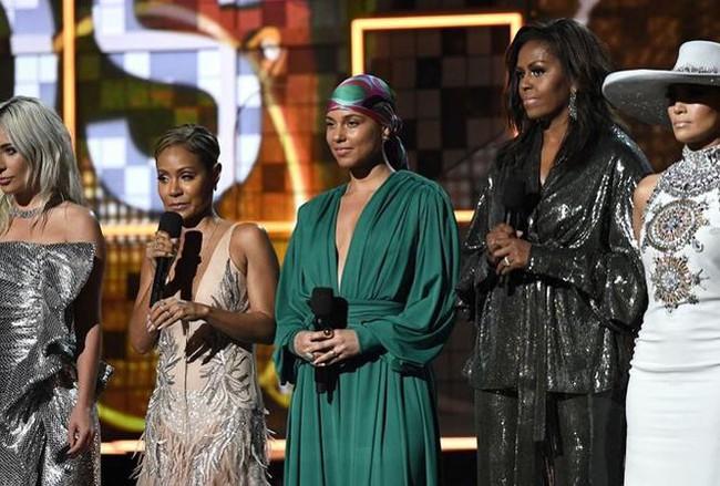 Cựu đệ nhất phu nhân Mỹ bất ngờ xuất hiện tại lễ trao giải Grammy 2019 - Ảnh 1.