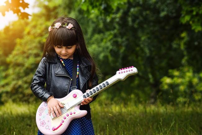 10 kĩ năng bạn nên chuẩn bị cho bé ngay từ bây giờ để bé trở thành người hạnh phúc, tự tin khi trưởng thành - Ảnh 3.