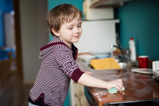 10 kĩ năng bạn nên chuẩn bị cho bé ngay từ bây giờ để bé trở thành người hạnh phúc, tự tin khi trưởng thành - Ảnh 6.