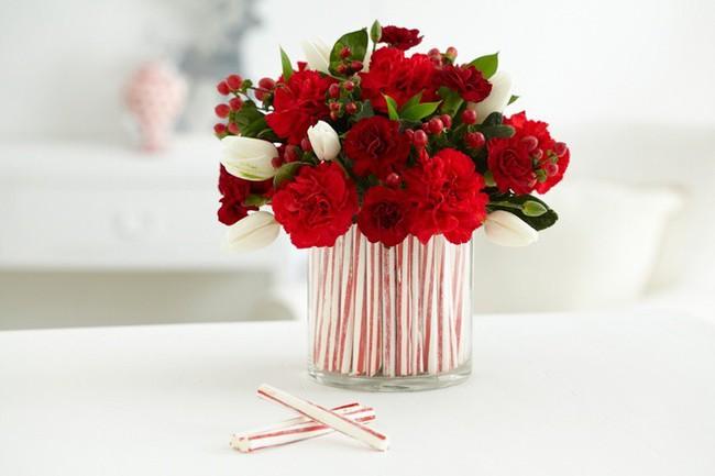 4 mẹo cắm hoa siêu dễ ai cũng có thể làm được để mùa xuân luôn bừng nở trong nhà bạn - Ảnh 3.