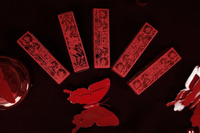 Mục sở thị 3 thỏi son đỏ mà nàng nào cũng sẽ đổ gục nếu được tặng trong dịp đầu năm này - Ảnh 2.