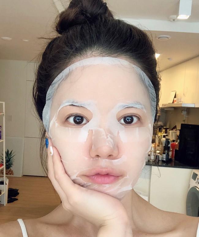 Nếu đắp mặt nạ giấy mà thấy da đẹp lên tức thì, bạn nên cảnh giác bởi nó có thể chứa thành phần nguy hiểm gây hỏng da này - Ảnh 1.